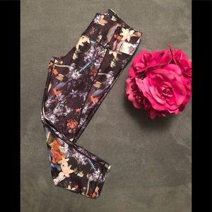 Calia by Carrie Underwood yoga pants size M
